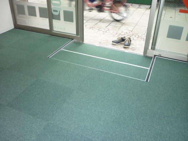 OAフロア大阪市施工事例2